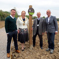 L-R:  Graeme Le Saux, Fields in Trust Trustee, Cllr Jane Rutter, Mayor of Winchester,  Stewart Newell, Kings Worthy PC, Kevin McCloud  HAB Housing