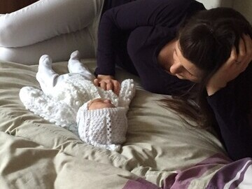 Mum Charlotte with baby Thomas in Eckersley House run by The Sick Children
