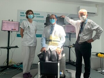 The Team at CLB, Sophie Boisbouvier, Radiologist, Professor Blay, CEO and Vincent Gregoire, Head of Radiation Oncology with the Eve™ System