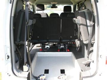Rear View Wheelchair Access | Electric Nissan