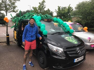 Best Dressed Taxi Winner Niki Hunter with his marvel(lous) Incredible Hulk Taxi