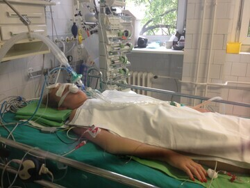 Amy in ICU, Budapest