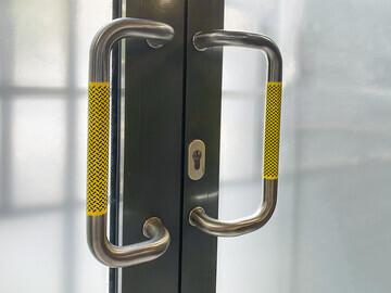 Safe Wrap double door handle