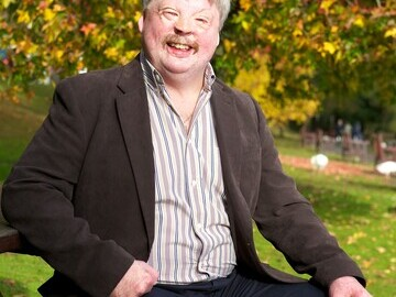 Simon Weston of Wales was presented with an Outstanding Achievement Award in the Inspiration category at the 2017 Soldiering On Awards held in London.