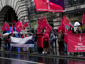 Citizens of Trieste in Regent Street, London - 6 october 2014