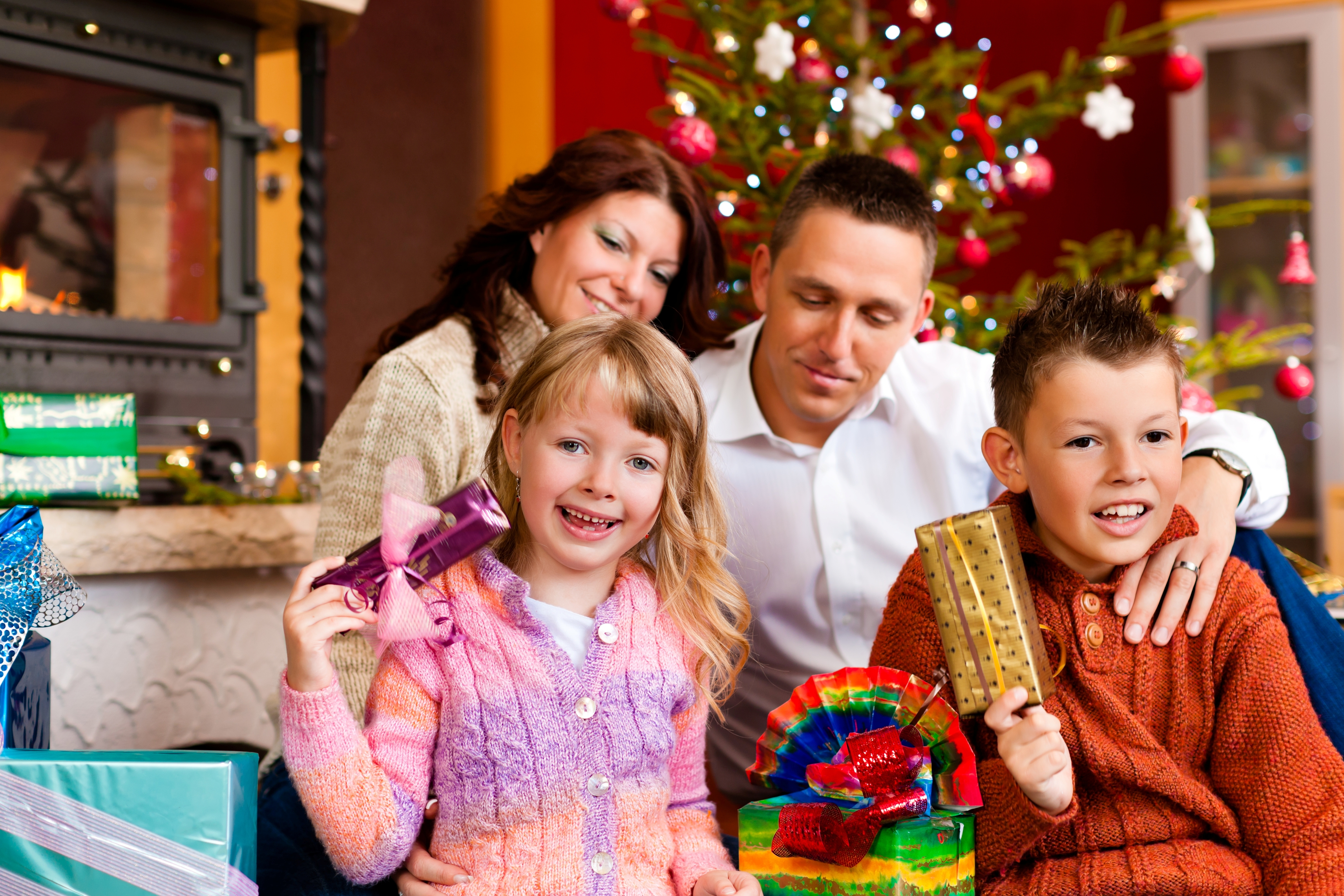Christmas Family Photo Relationship Counselling Charity Reveals How To Avoid Christmas