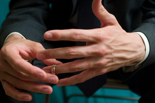 More than half of married men take off wedding ring when going to